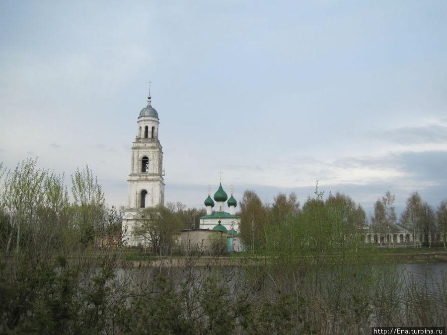Троицкий собор с колокольней