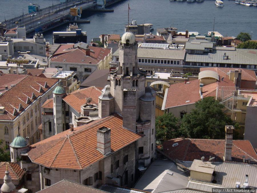 В Стамбуле тоже есть синагога.