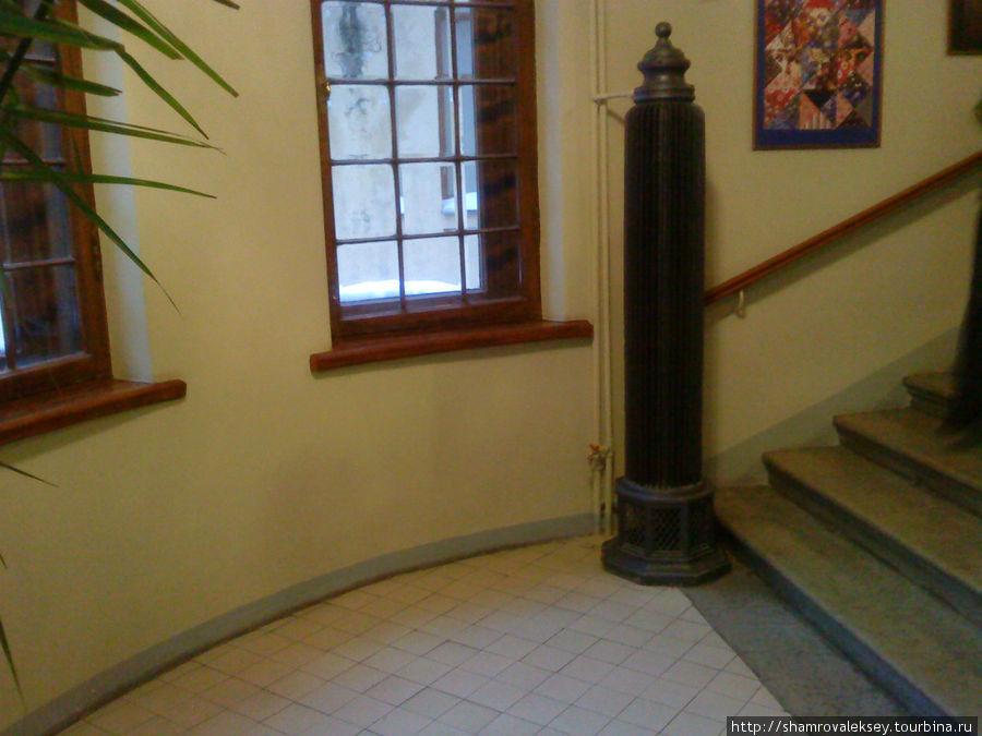 Старинный радиатор отопления