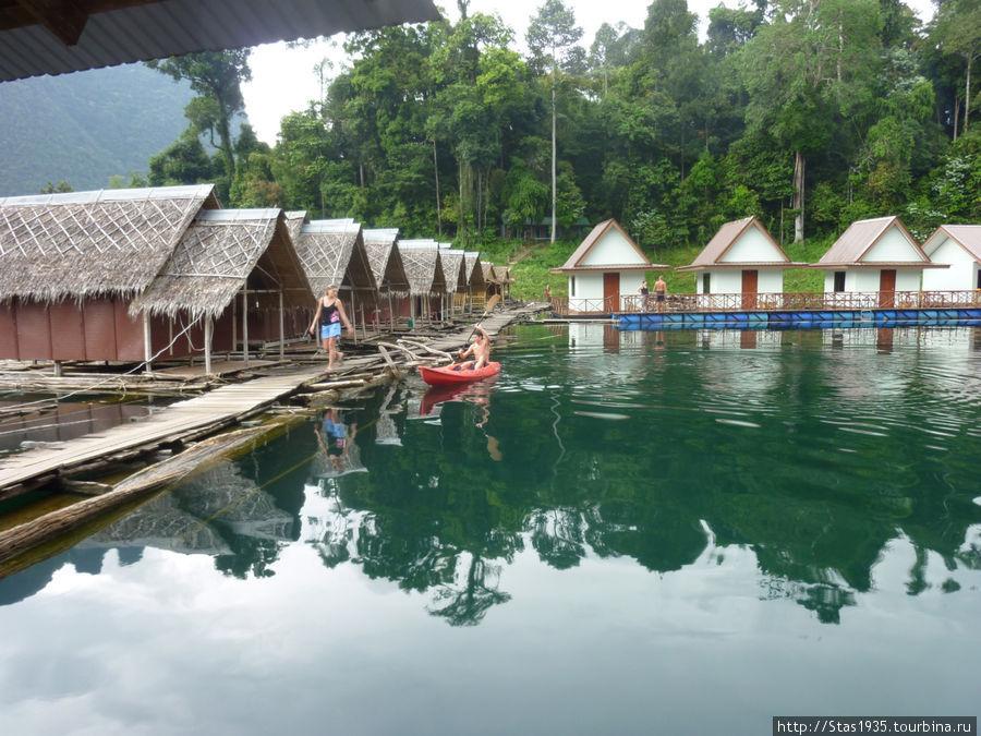 Южный Таиланд. Национальный парк Као Сок. Плавучий отель на озере Чиеу Лан.