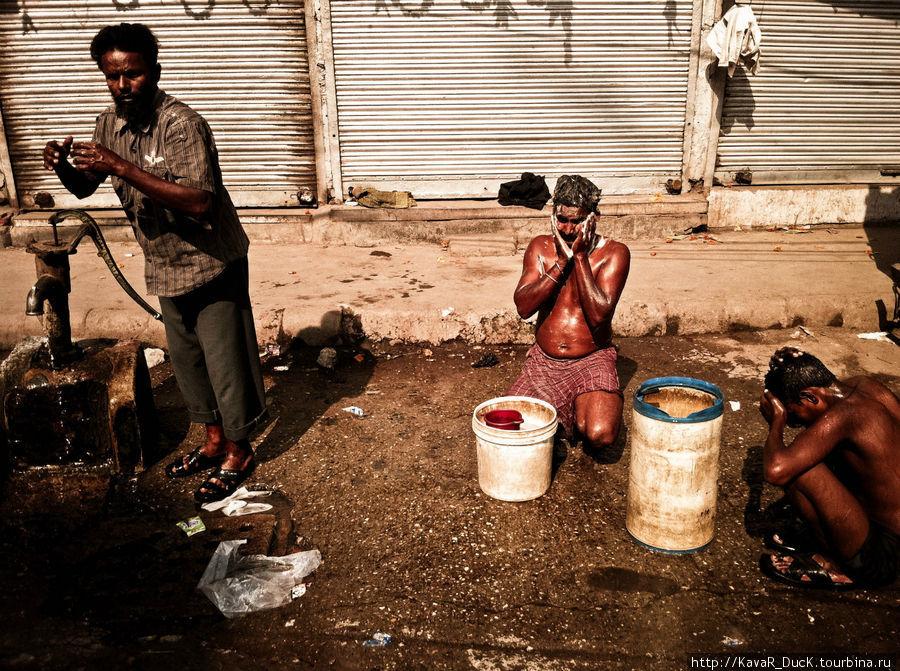 Водные процедуры прямо на улице столицы