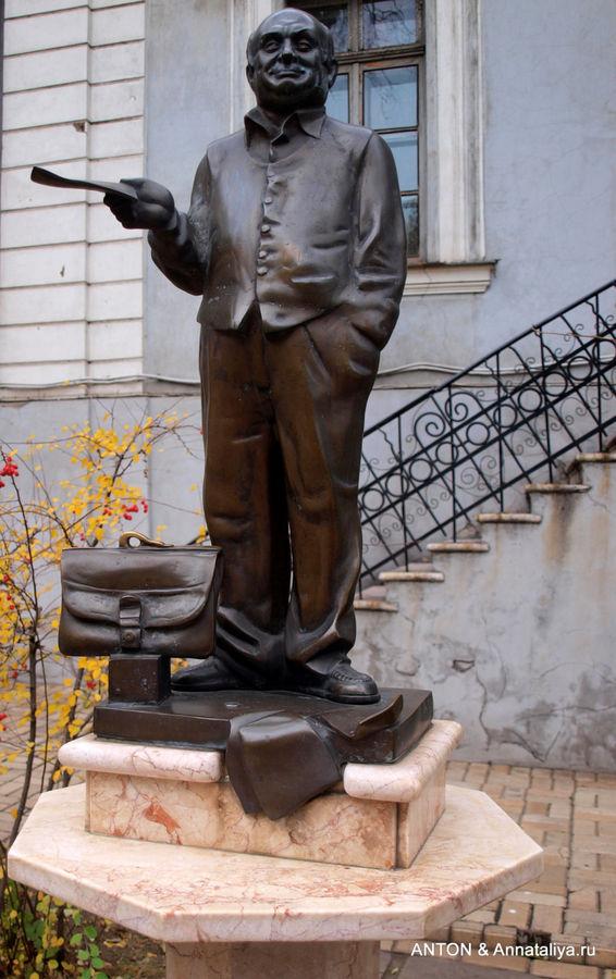 Памятник Жвенецкому