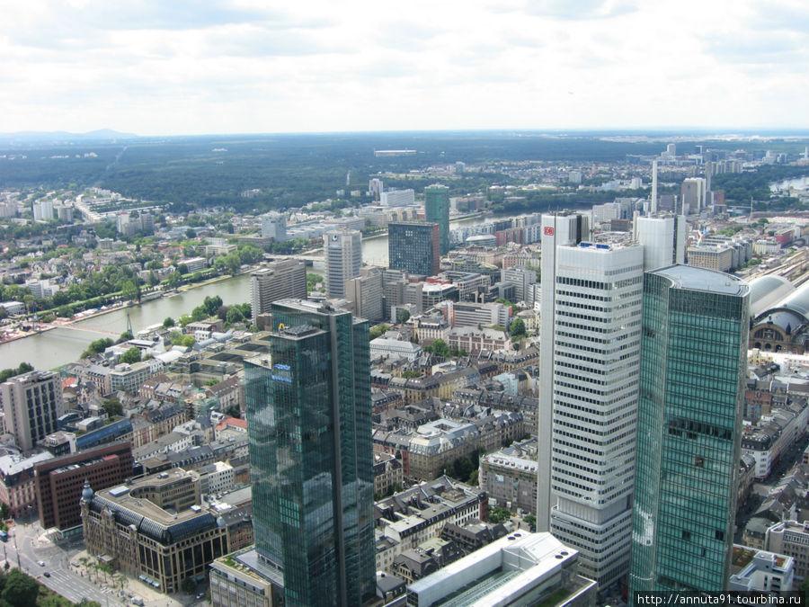 Вид на Deutsche Bank