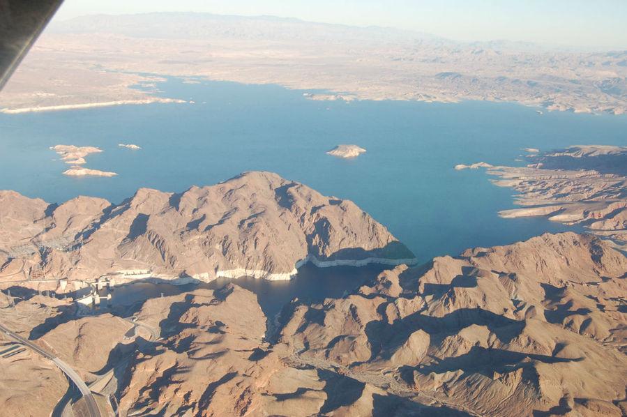 Озеро Мид