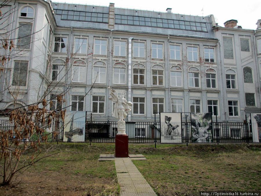 Здание школы № 59 имени Н.В.Гоголя