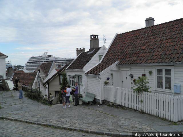 Бывшая рыбная слобода, теперь самый фешенебельный и дорогой район города.