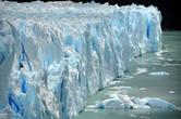 Никогда бы не поверила, если бы не видела собственными глазами, что бывает лед такого синего цвета!