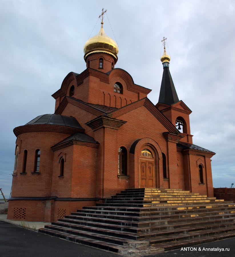 Введенская церковь.
