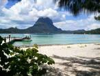 Остров, лагуна, моту . Большинство из моту — частные. На них все лучшие пляжи и соответственно все дорогие отели. А вообще-то, Бора-Бора как будто сошел со страниц