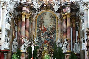 Главный алтарь с картиной Й.Й.Цайлера