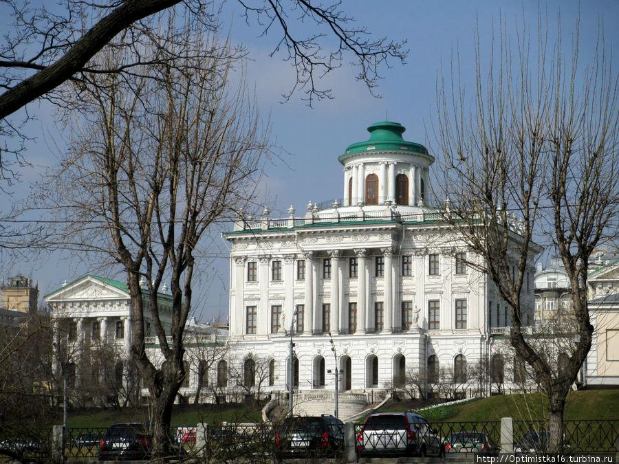 Дом Пашкова — отсюда начиналась Библиотека.
