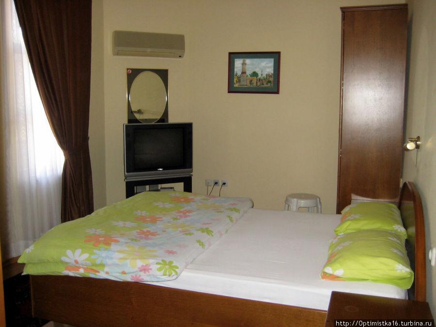 А это вторая комната — больше и уютнее