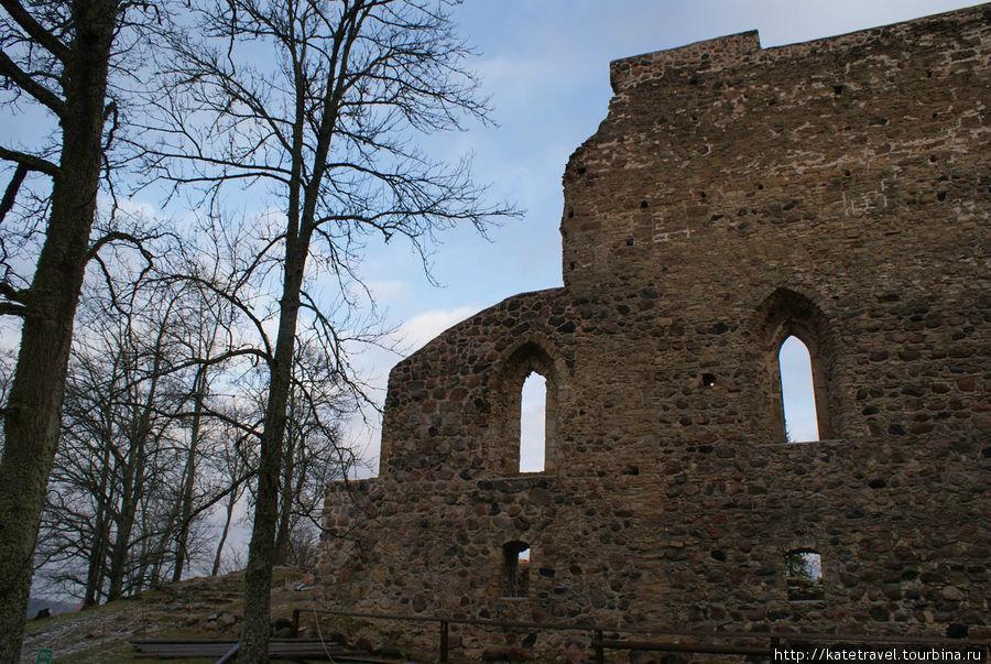 Старый Сигулдский замок