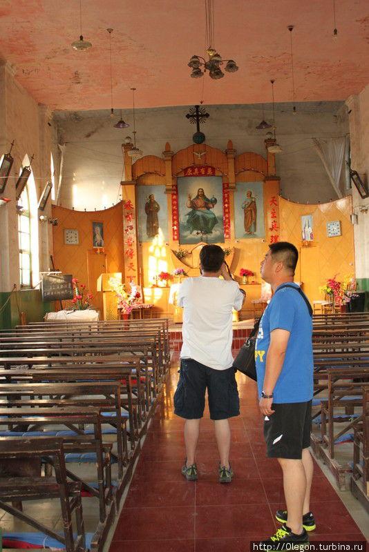 Христианские храмы на китайский лад Пинъяо, Китай