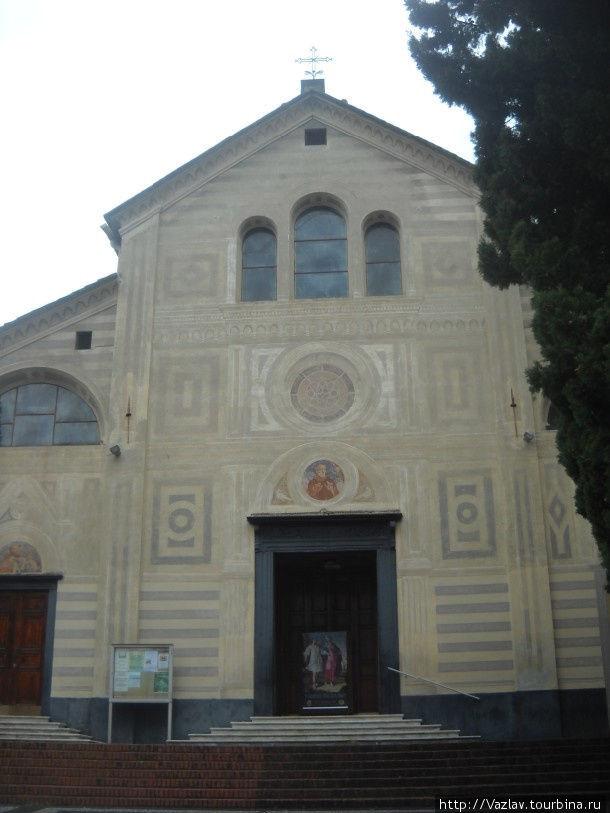 Фасад церкви как он есть