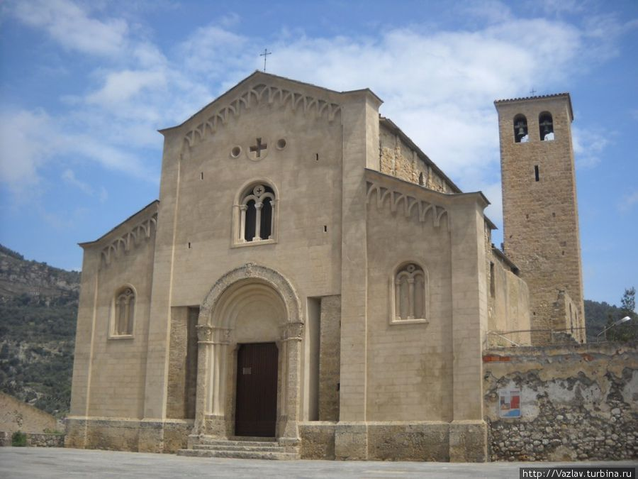 Парадный вид церкви