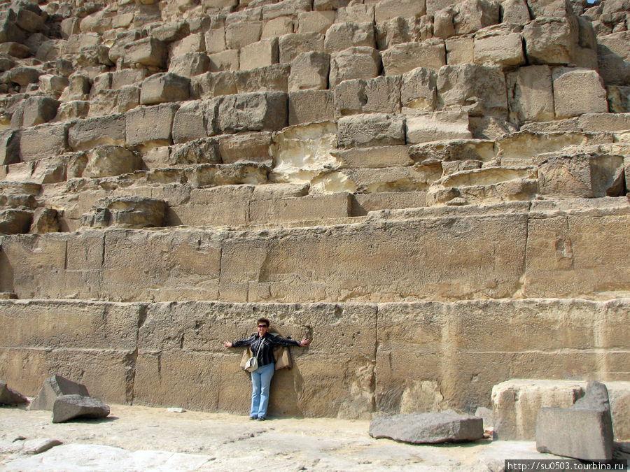 Огромные блоки пирамиды Х