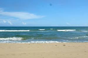 В море волна и чистый белый песок — настроение просто райское