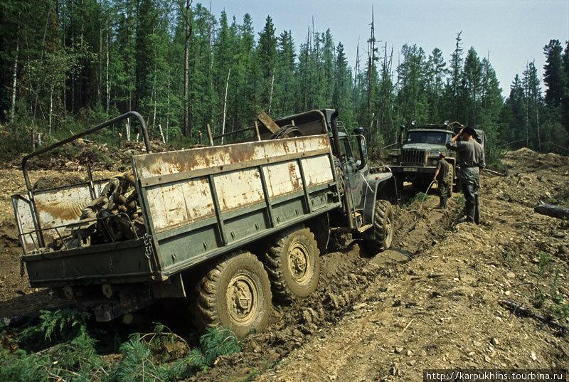 Другой дороги от Нижнеудинска на прииск Покровский просто нет.