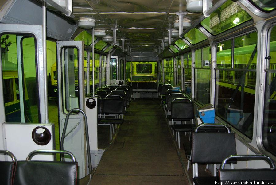 Советские троллейбусы получились настолько удачными, что почти их конструкция почти не претерпела изменений с 1972 года.