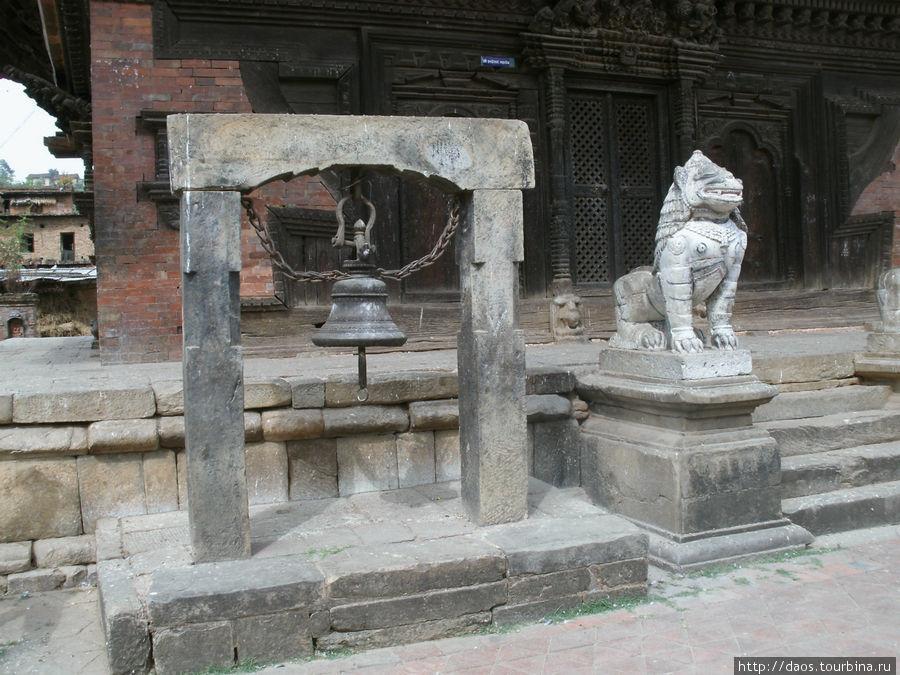 Знаменитый храм Индрешвор