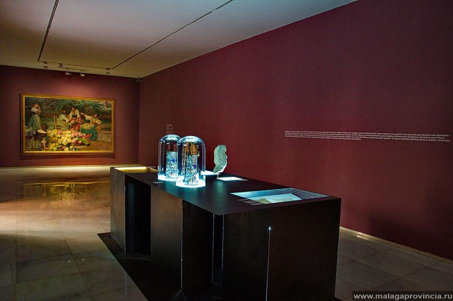 Под стеклом — вазы из итальянского стекла