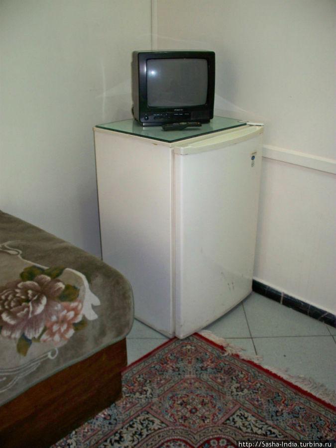 В каждом номере есть холодильник и телевизор