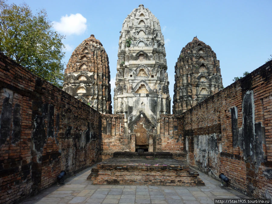 Сукотай. Храм Ват Савай.