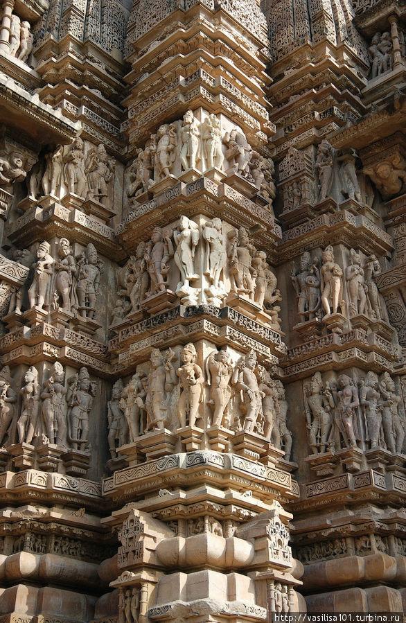 Каджурахо - храмы с эротическими скульптурами Каджурахо, Индия.