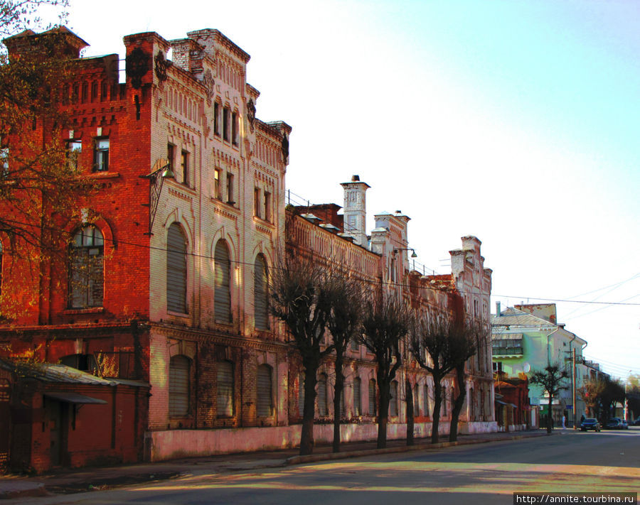 Здание ликероводочного завода.