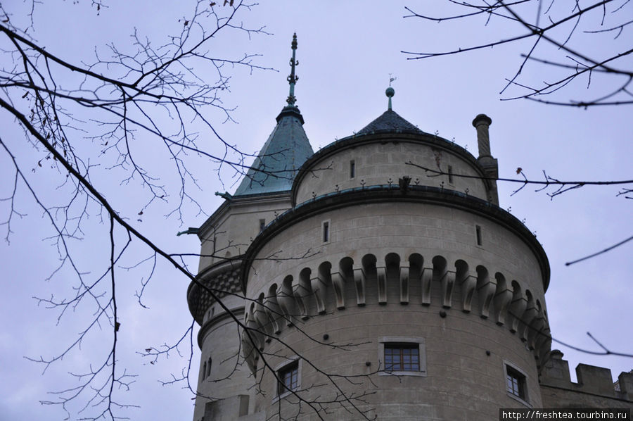 Одна из самых крупных башен Бойниц.