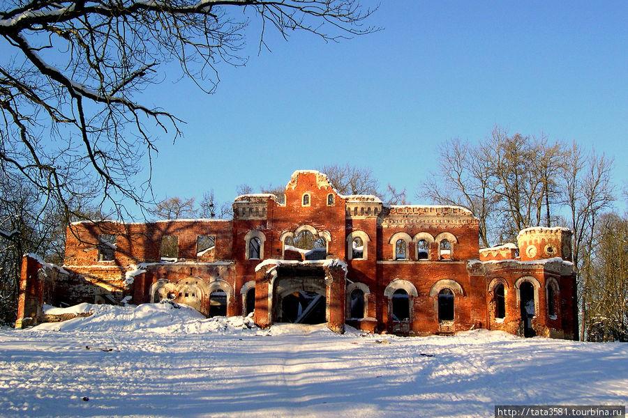 Усадьба баронов Врангелей - летом, осенью, зимой