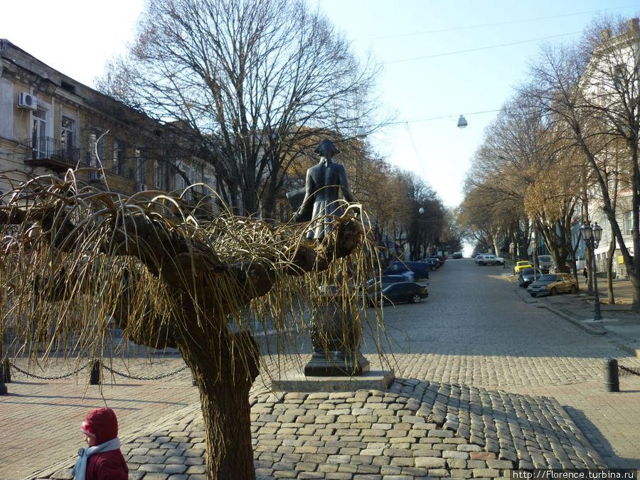 Вид от памятника на Дерибасовскую