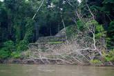Пирамида со стороны реки