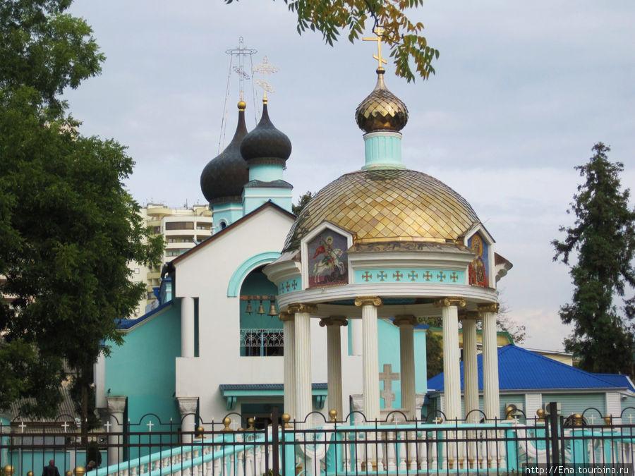 Свято-Троицкая церковь в Адлере