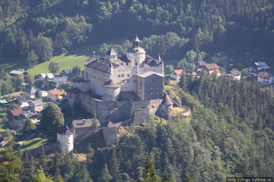 Крепость Верфен .Вид с входа в пещеру.Сооружена в 1077году! см.др.совет