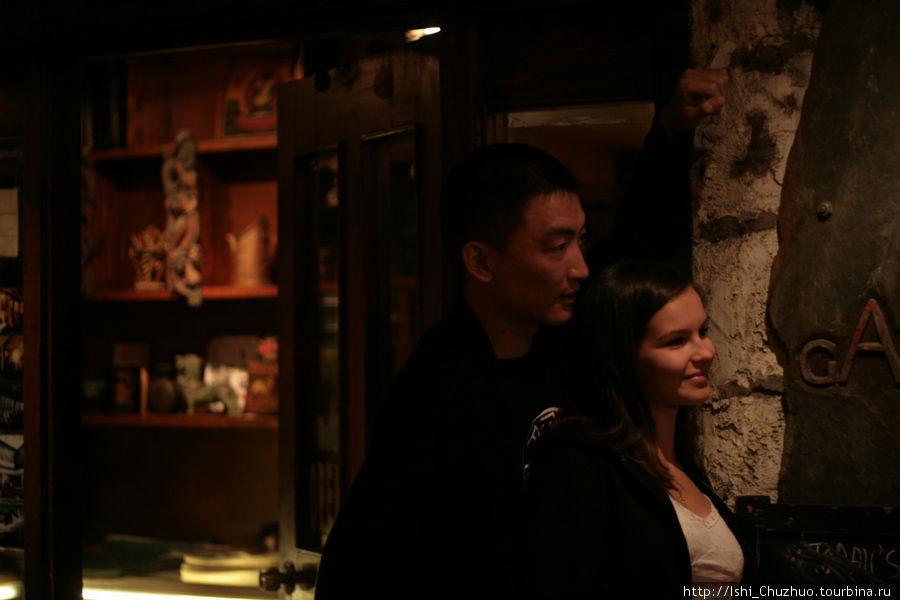 в ресторане Галамэйдо этническая теплая атмосфера