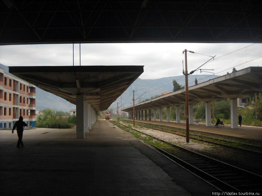 На платформах