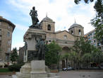 Сарагоса. Памятник Августине Арагонской.