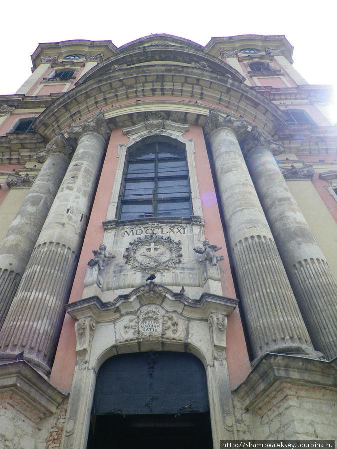 Великолепный фасад