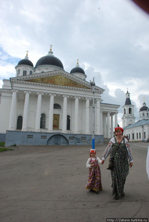Арзамас — городок-Москвы уголок. Посещение храмов и исторических мест — часть праздника.