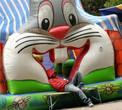 В пасти гигантского зайца