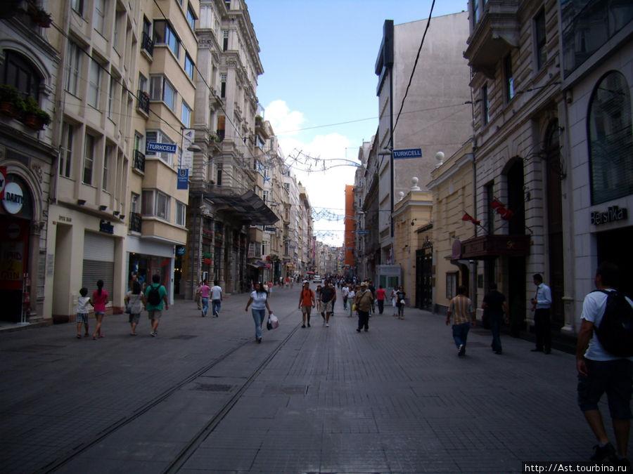 Улици Истикляль.
