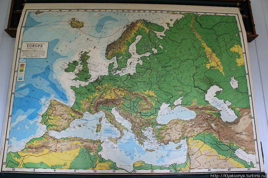 Нашли на школьной карте Ленинград! Обрадовались :)