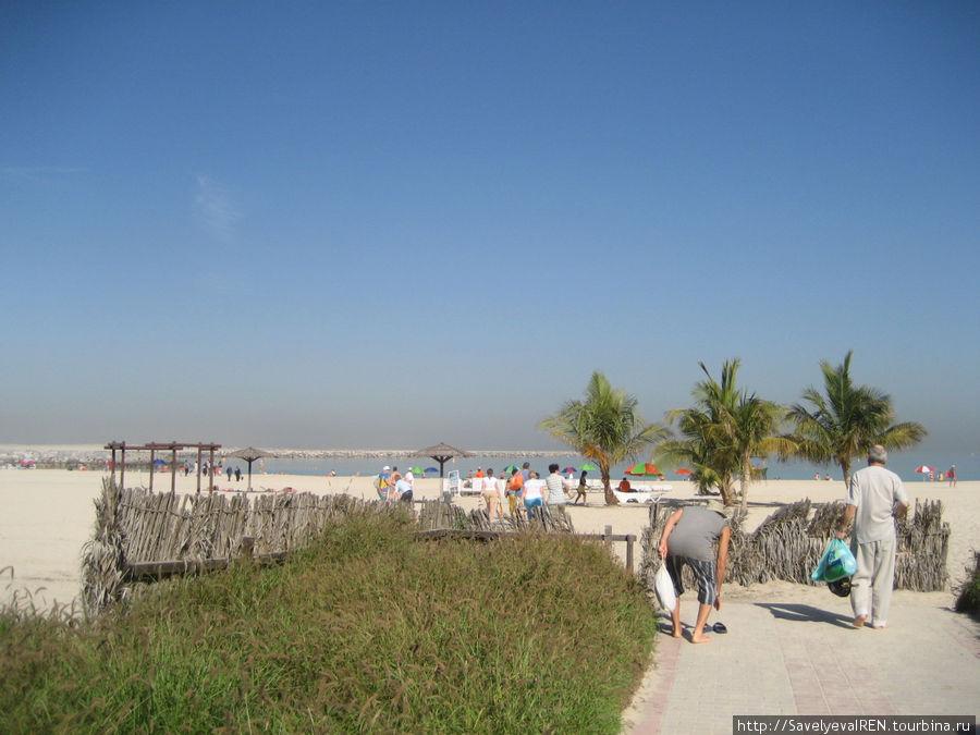 Пляж Алб Мамзар .