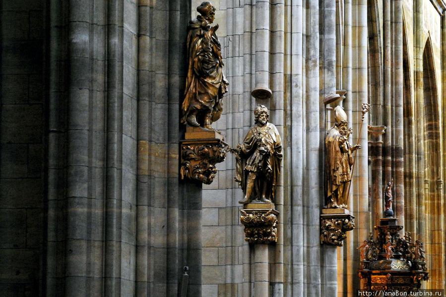Внутри главного кафедрального собора