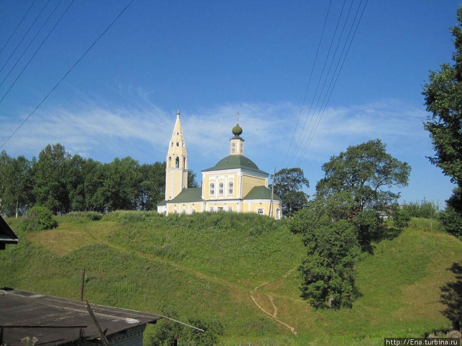 Троицкая церковь на холме