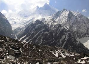 Самая загадочная гора  среди вершин хребта Аннапурны — гора Мачхапучхре (6993 м) или Фиштейл, то есть