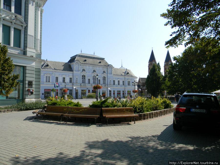 Ниредьхаза -центр города, отель Корона