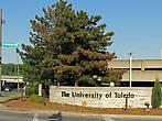 Университет Толедо занимает целый микрорайон
